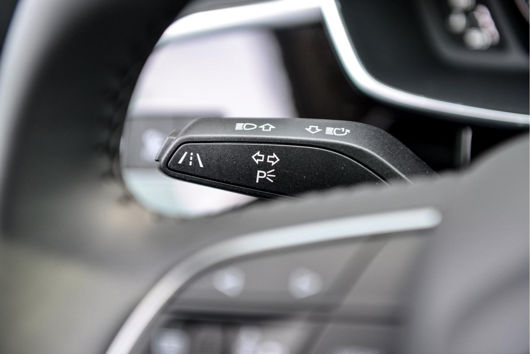 Audi-Q3 Sportback-19