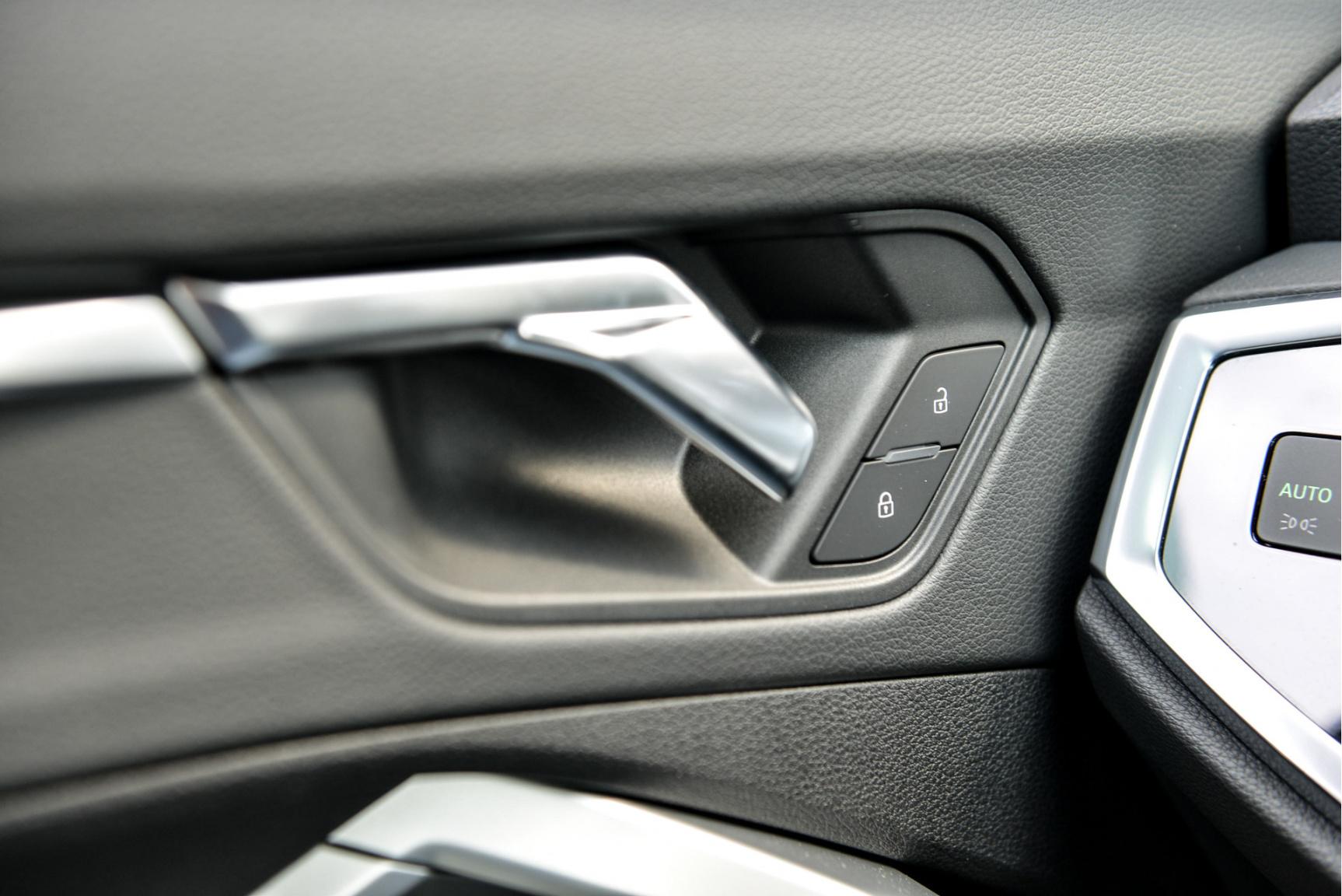 Audi-Q3 Sportback-28