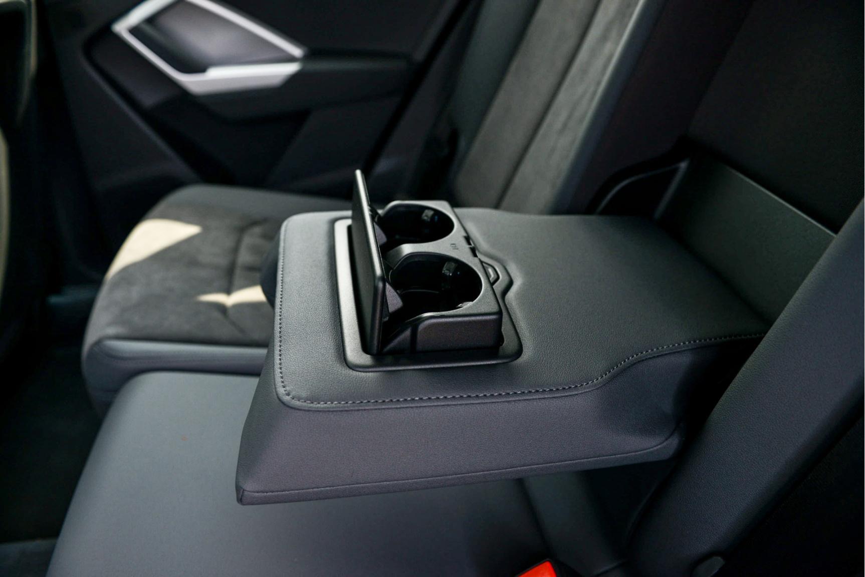 Audi-Q3 Sportback-32