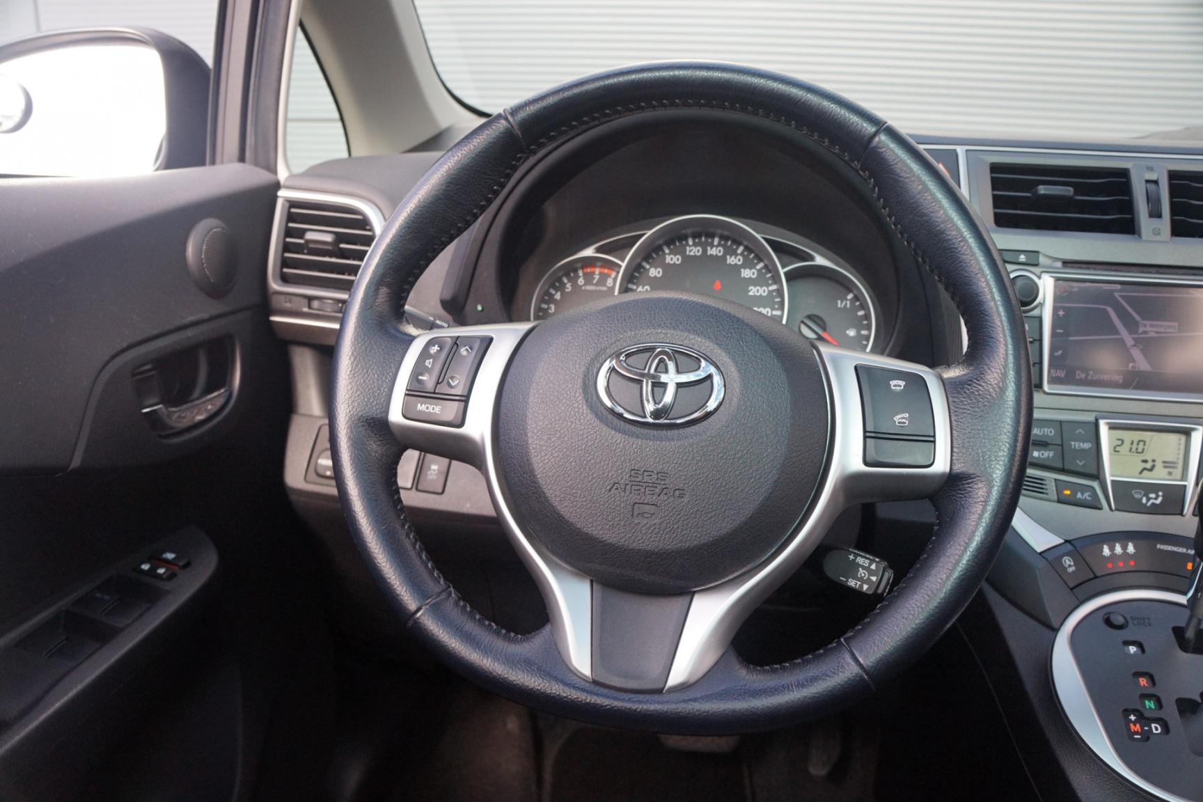 Toyota-Verso-S-14