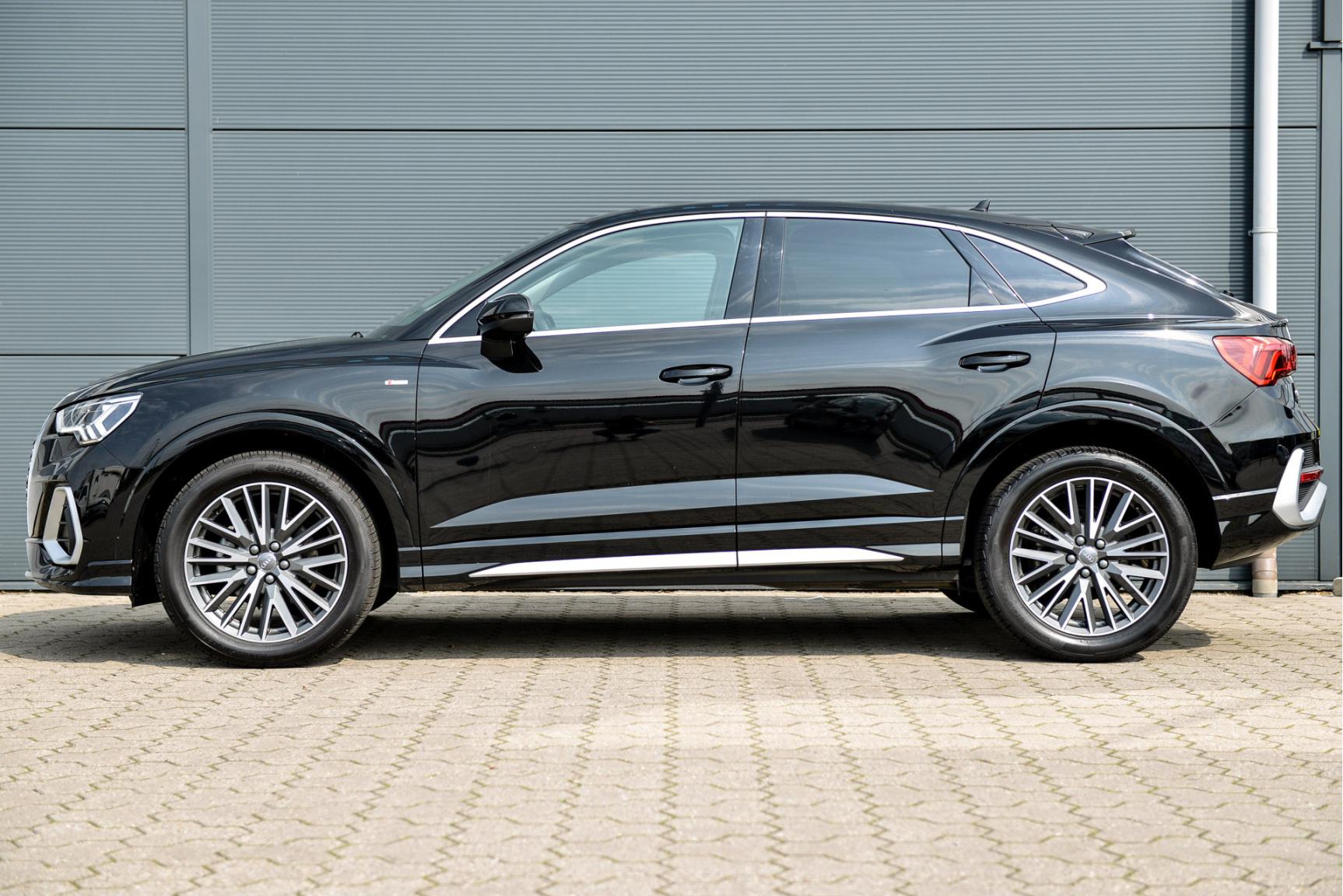 Audi-Q3 Sportback-3