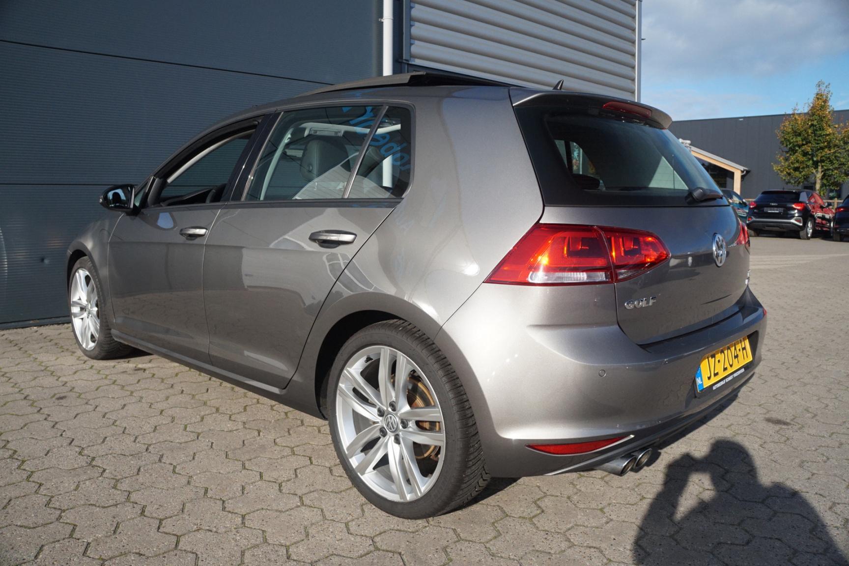 Volkswagen-Golf-20