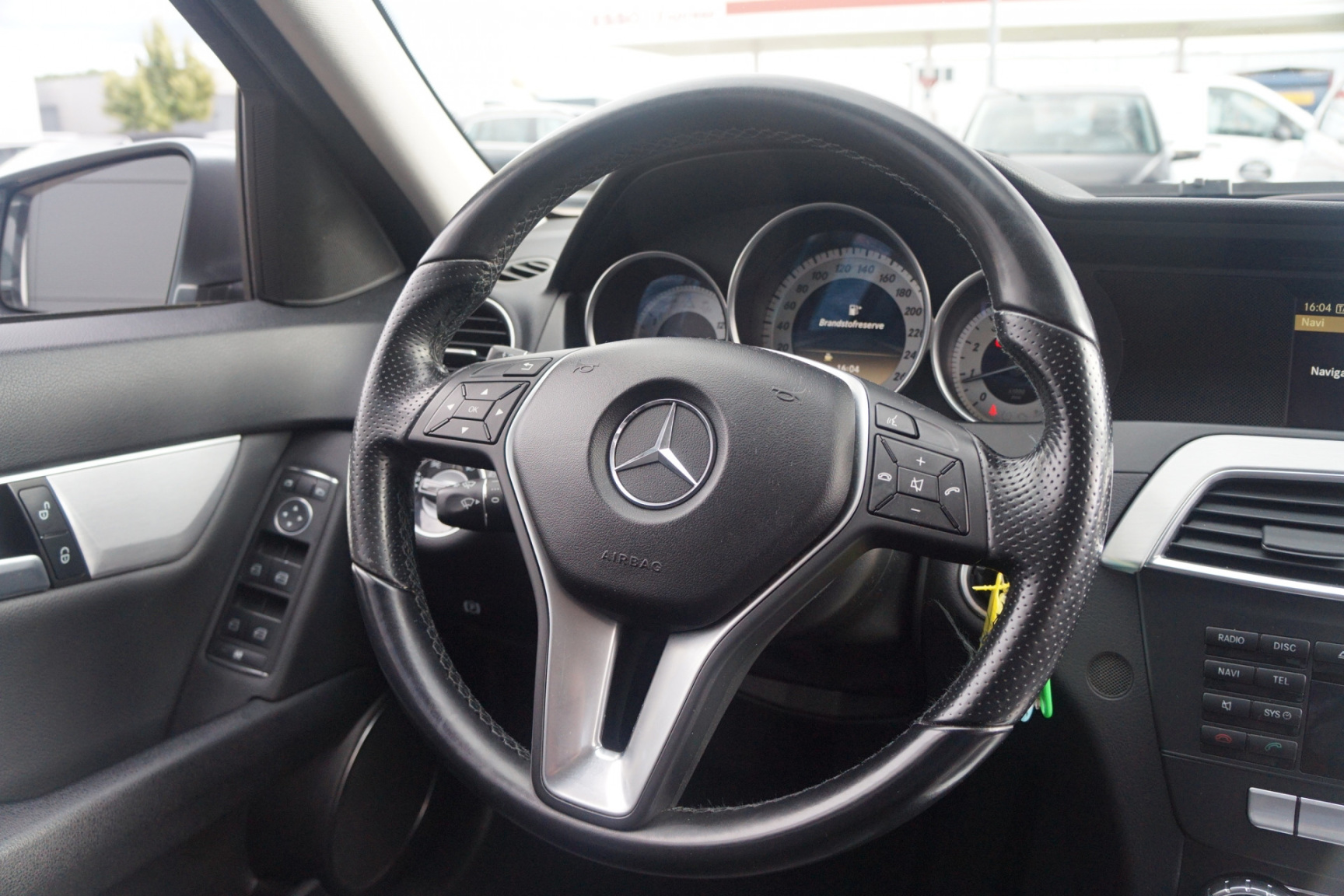 Mercedes-Benz-C-Klasse-11