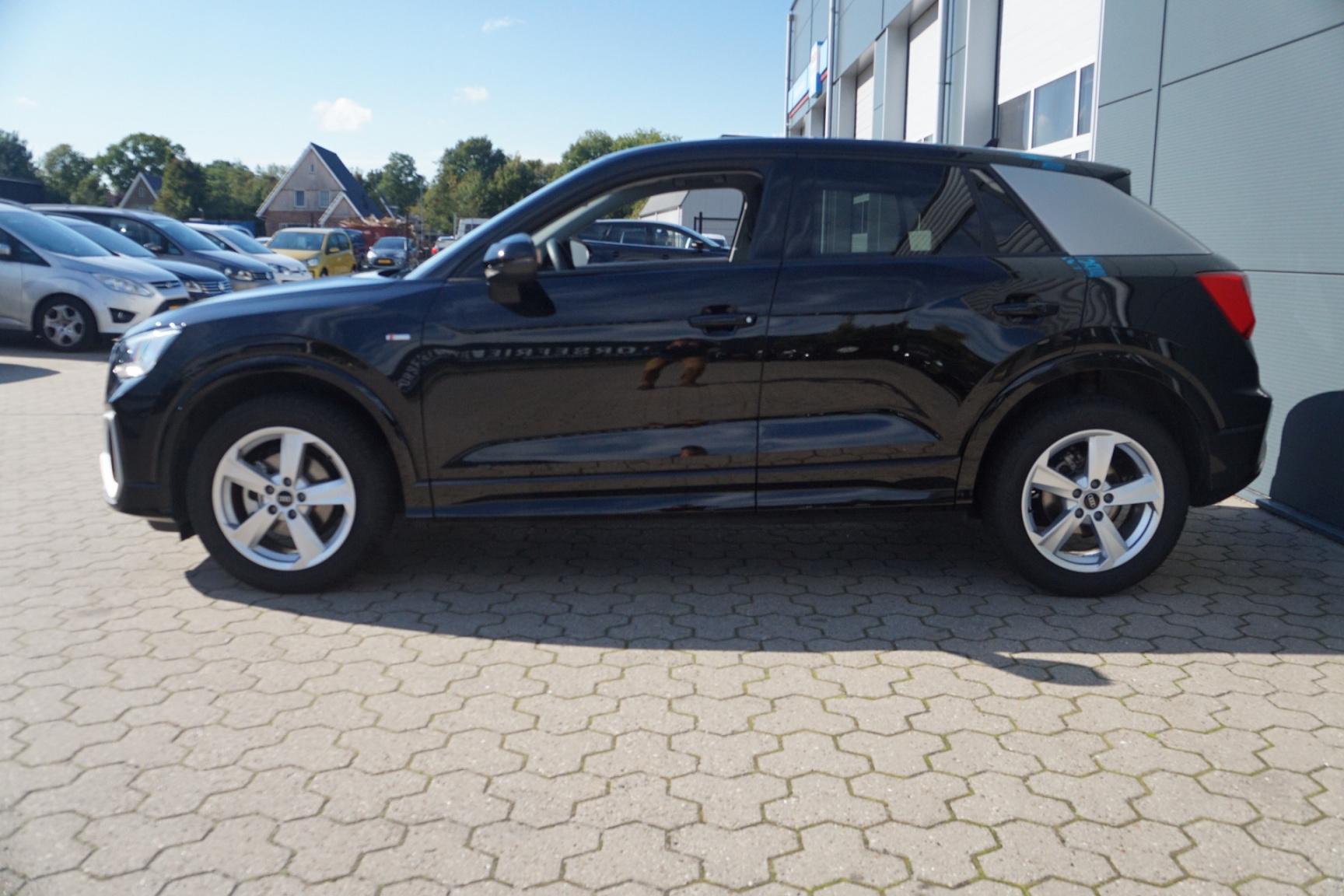 Audi-Q2-6
