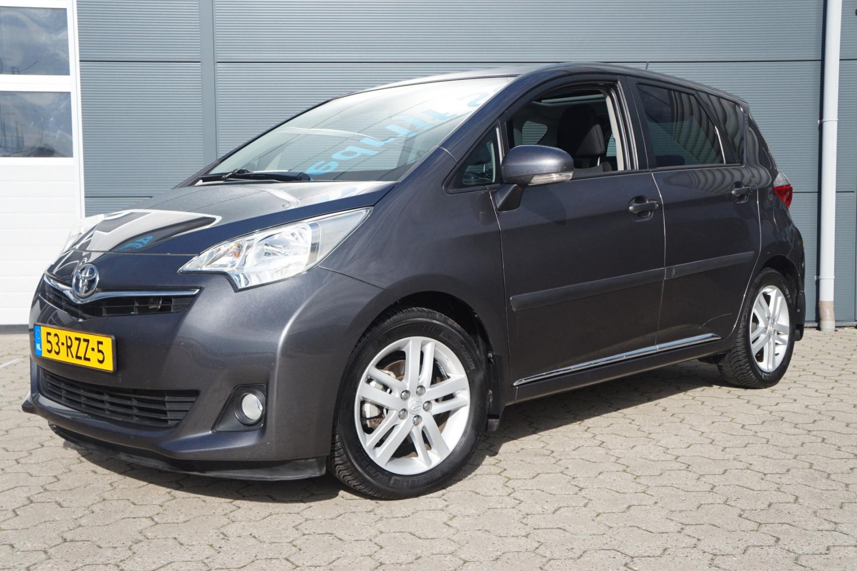 Toyota-Verso-S-1