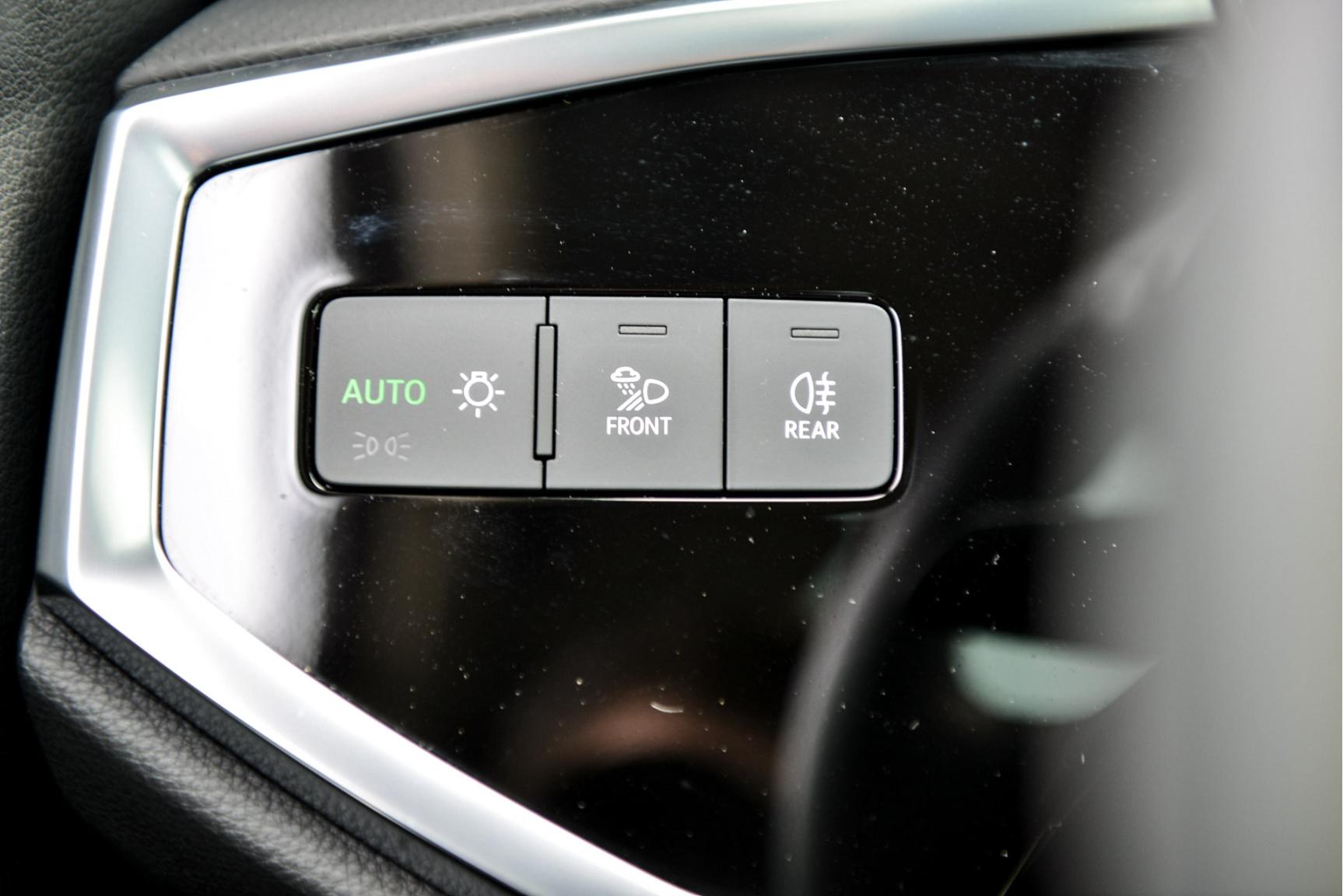 Audi-Q3 Sportback-25